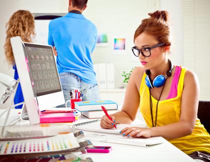 Tuyển nhân viên thiết kế đồ họa làm việc tại Vinh